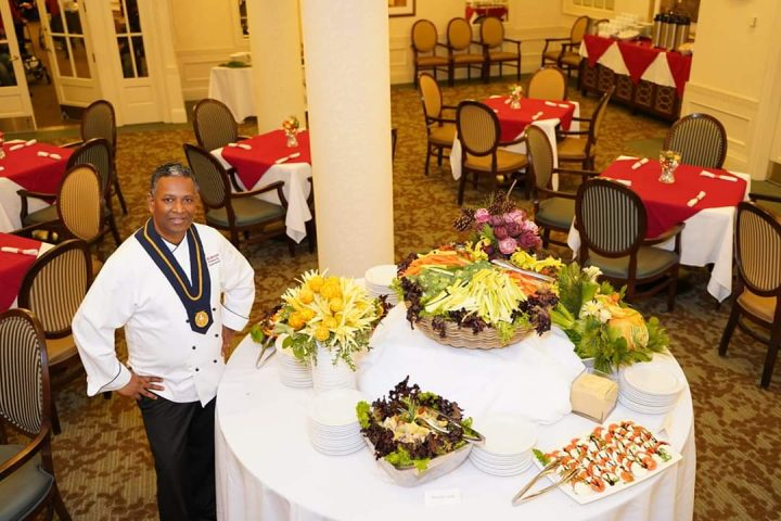 Fine Dining During COVID-19 at Delmanor Communities